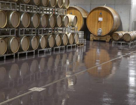 installazione pavimento cantina vini