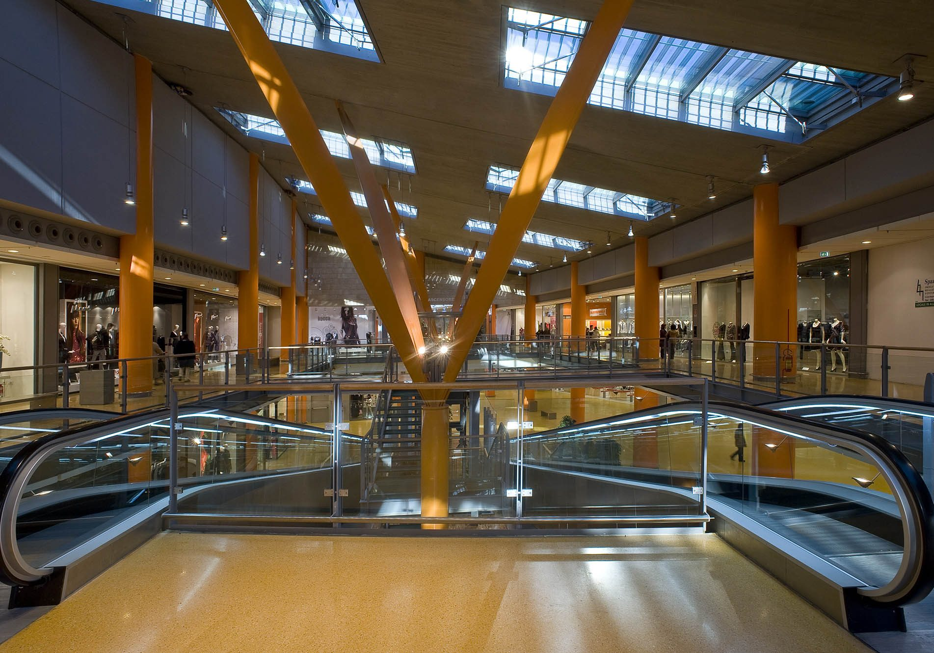 Interno Centro Commerciale